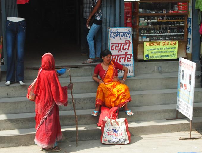 nepal_woman5_680