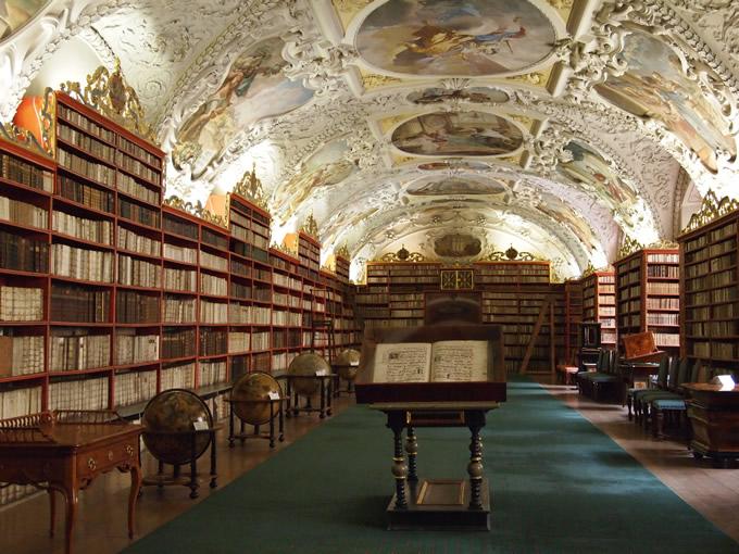 ストラホフ図書館の「神学の間」